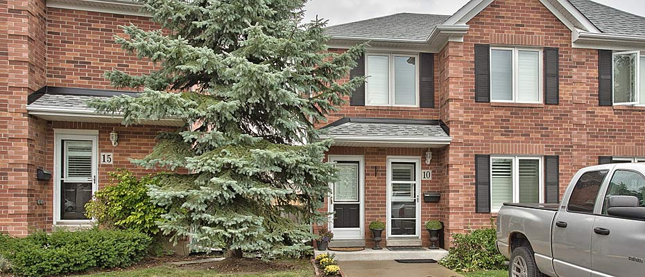 Stacked two bedroom townhome for sale in Headon Forest Burlington