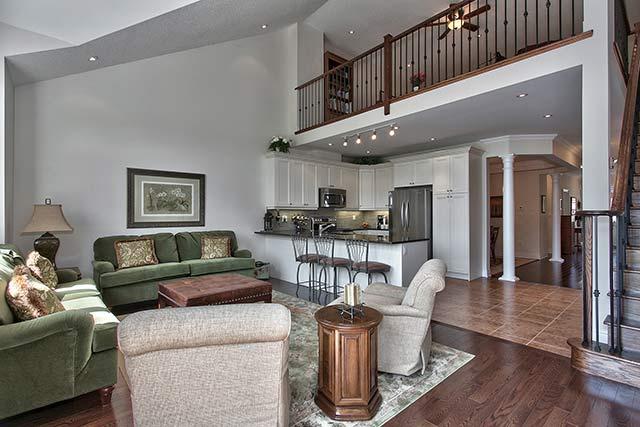 18 3353 liptay avenue oakville stunning bungaloft for Interior design house oakville