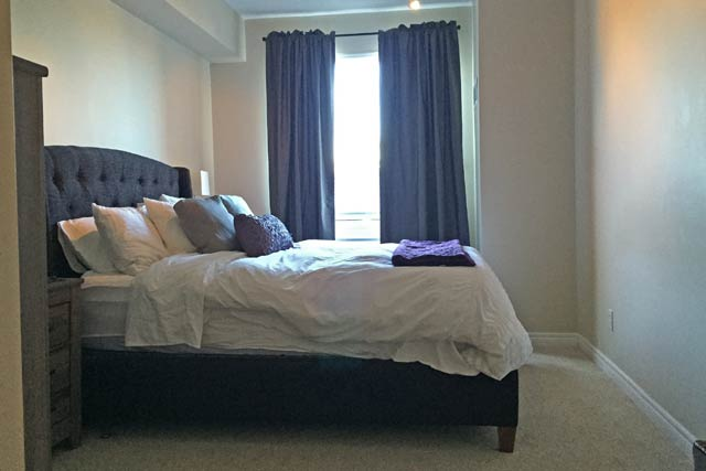 208 60 Old Mill Road Oakville One Bedroom Plus Den