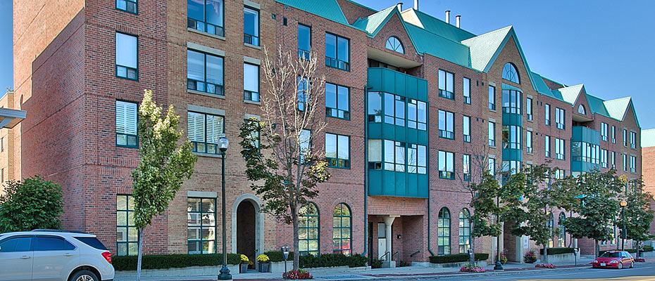 301-185 Robinson Street, Oakville - Two Bedroom Condo For Sale in Downtown Oakville