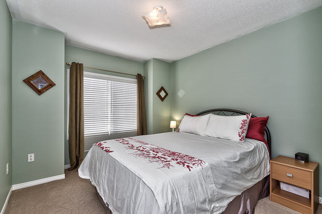 4856 capri crescent burlington three bedroom townhome for sale in