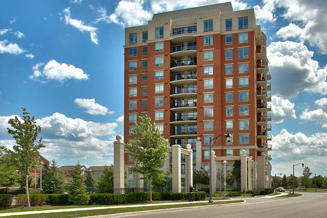 One Bedroom Condo For Rent in North Oakville at 2325 Central Park Drive